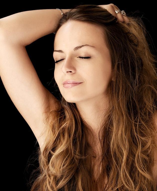 Jak biotyna wpływa na stan włosów?