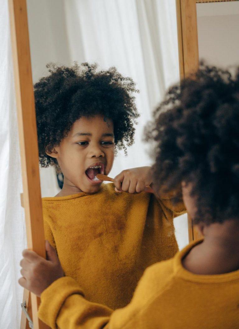 Jak podtrzymać efekt białych zębów po profesjonalnym wybielaniu zębów w gabinecie?